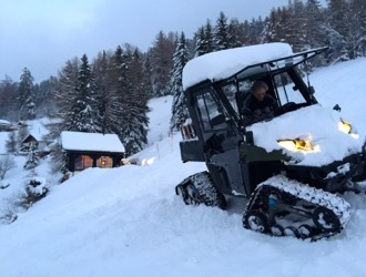 Luggage transport over ski slopes, Chalet La Piste